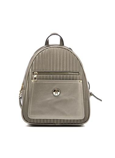 TH Bags TH Bags Fermuarlı Cepli Desenli Suni Deri Platin Kadın Sırt Çantası Gri